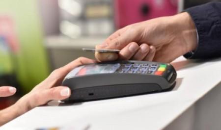 ДелоБанк вводит безлимит на платежи и предлагает бесплатную юридическую помощь