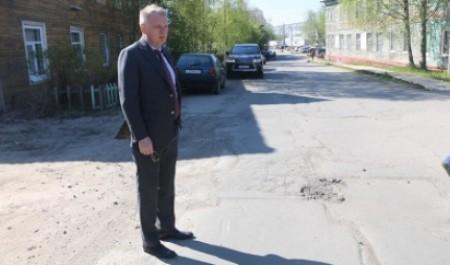 Александр Фролов: «Ремонт дорог – на особом контроле»