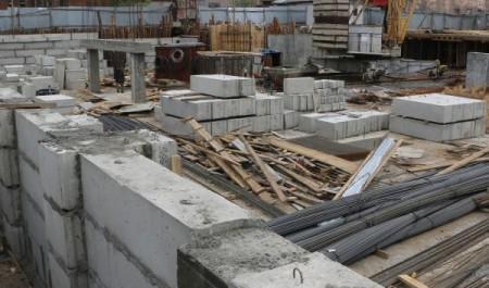 На ЖК «Двина Хаус» завешается устройство монолитной плиты фундамента