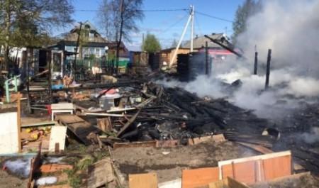 В Новодвинске многодетная семья осталась без жилья из-за пожара