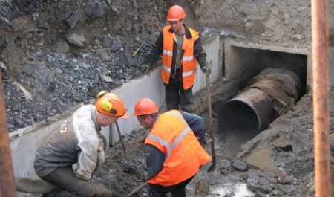 «Были выявлены новые утечки»: после майских отключений без воды в Архангельске остаются 17 домов