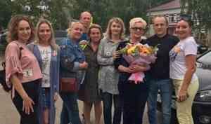 «Сейчас надо успокоиться»: в Котласе после 15 суток ареста освободили активистку Анну Шекалову
