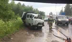 В Вельске при столкновении с лесовозом погиб водитель «УАЗа»