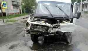 Пьяный водитель иномарки устроил аварию на сульфатском перекрестке