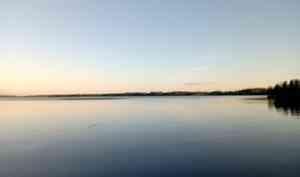 Местные жители нашли тело женщины, пропавшей на озере Кородское