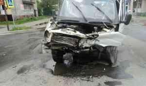 Два водителя пострадали в аварии на Сульфате