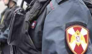 Сотрудники Росгвардии по Архангельской области задержали нетрезвого гражданина, устроившего скандал в магазине