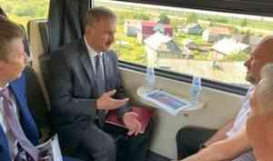 «Тариф обсуждается»: из Архангельска в Северодвинск по рельсам вышел новый автобус