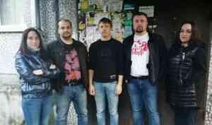 «Мы думали, труп»: как в Архангельске жильцы пятиэтажки борются с вонью из-за собачьего «концлагеря»