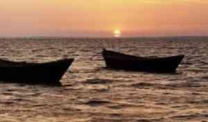 Троих рыбаков спасли в акватории Белого моря