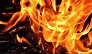 При пожаре в частном доме на окраине Архангельска погибли три человека