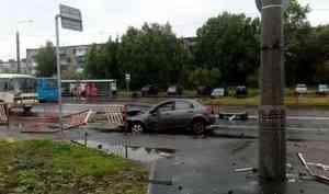 Очередное ДТП у«Макси»: пьяный водитель врезался вограждение