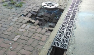 Нужен ремонт брусчатки у морского музея: ОНФ снова дал сигнал властям Архангельска