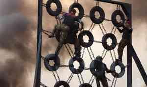 В Архангельске сотрудники и военнослужащие Северо-Западного округа Росгвардии боролись за право ношения крапового берета