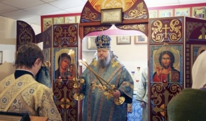 Митрополит Корнилий совершил всенощное бдение в храме святой Варвары в архангельских Талагах
