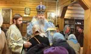 Митрополит Корнилий совершил всенощное бдение на подворье Веркольского монастыря в Архангельске