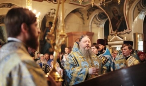 Митрополит Корнилий совершил Литургию в архангельской Соломбале