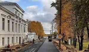 Дорожники Каргополья завершили асфальтирование улицы Победы