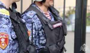 Сотрудники вневедомственной охраны Росгвардии по городу Архангельску задержали грабителя в одном из торговых павильонов