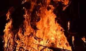 Не поделился сигаретами: В Коношском районе мужчину избили и подожгли его дом