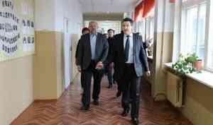 Школа, ферма, активисты: Игорь Орлов срабочей поездкой посетил Няндомский район