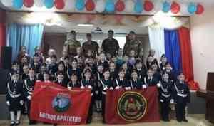Военнослужащие отряда спецназначения «Ратник» Северо-Западного округа Росгвардии приняли участие в церемонии посвящения в кадеты