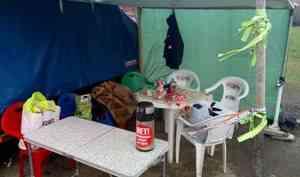 «Не понравился навес»: к активистам экобессрочки в Котласе приходила полиция