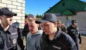 У активиста Шиеса из Сыктывкара проходят обыски