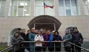 В Коряжме специалисты центра занятости знакомят школьников с профессиями