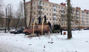 У подрядчика по благоустройству Аллеи молодежи в Северодвинске украли деревянные бруски и брусчатку