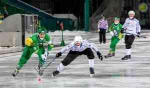 Архангельский «Водник» на домашнем льду разгромил сыктывкарский «Строитель»