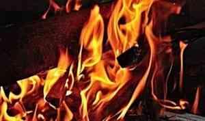 На Соловках при пожаре в многоквартирном доме погиб мужчина