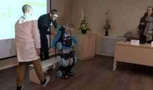 ВСеверодвинске сегодня прошли испытания первого вРоссии детского экзоскелета
