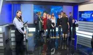 Впреддверии Всемирного дня телевидения для участников телемарафона «Нечужие дети» устроили экскурсию позданию областного телевидения
