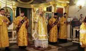 Митрополит Корнилий 4 января совершил всенощное бдение в Ильинском кафедральном соборе
