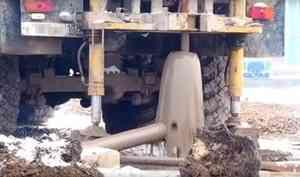 «Не утопит, так отравит»: бездонная скважина несёт новые неприятности жителям Белозерска