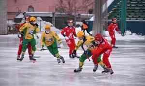 Девять тысяч болельщиков: «Водник» отметил 95-летие команды матчем с«Енисеем»