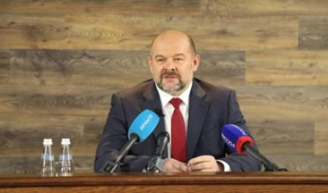Игорь Орлов: «С 1 мая 2020 года будут снижены цены на авиаперевозки внутри Архангельской области»