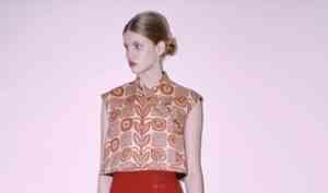 В Париже представили кутюрную коллекцию одежды в честь Каргополя