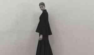 Вдохновленный Каргополем российский дизайнер показал в Париже коллекцию от-кутюр