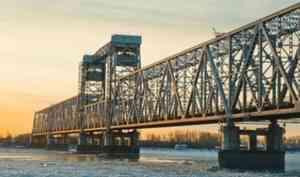 С первого февраля железнодорожный мост в Архангельске будут перекрывать каждую ночь