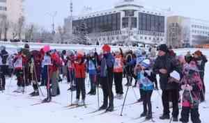 Архангелогородцы вышли настарт «Лыжни России»
