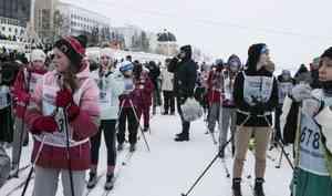 Помор Михалыч, полевая кухня и малыши на старте: фоторепортаж с «Лыжни России — 2020» в Архангельске