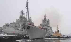 Ракетный крейсер Северного флота «Маршал Устинов» вернулся вСевероморск издальнего похода