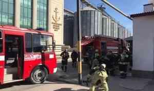 В Махачкалинском морском торговом порту прошли пожарно-тактические занятия