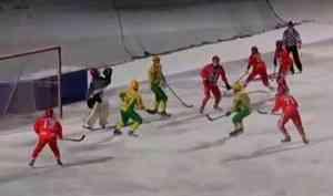 Сегодня наш «Водник» нальду стадиона «Труд» сыграет сновосибирским «Сибсельмашем»