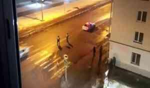 Вцентре Архангельска водитель сбил женщину ссобаками искрылся сместа ДТП