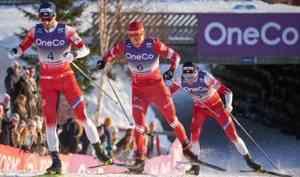 Александр Большунов финишировал седьмым в«Ски Туре». Врешающей гонке— катастрофа слыжами