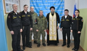 Священник Антоний Власов поздравил сотрудников северодвинской военной полиции с Днем защитника Отечества