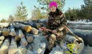 Лесничий Оксана Мишина из Каргополя – победительница областного фотоконкурса «Мама на работе»